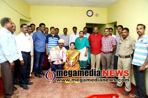 Bantwal traffic ASI Rama Naik felicitated by DySP Raveesh