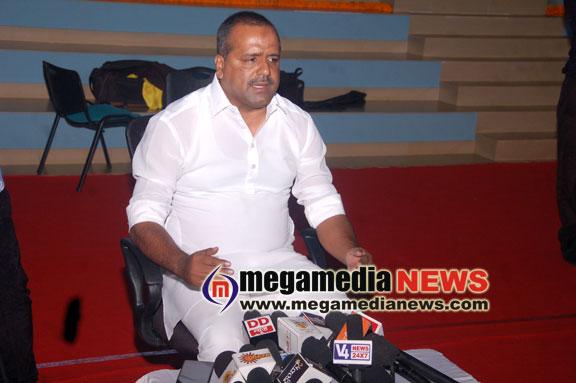 Central has neglected the woes of Karnataka: U T Khader