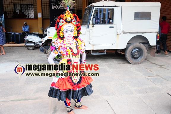 Kadri Krishna Vesha