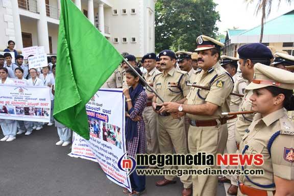 City Police Commissioner ingruates crime prevention program