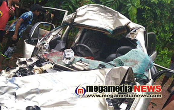 Car-bus accident two died, one injured | Mega Media News English