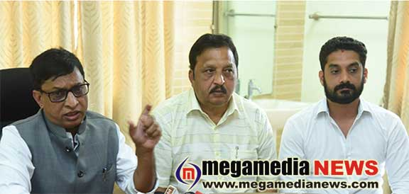 Elected representatives using their pictures on works development funds is not correct : Bhoje Gowda