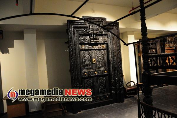 Manjusha Museum